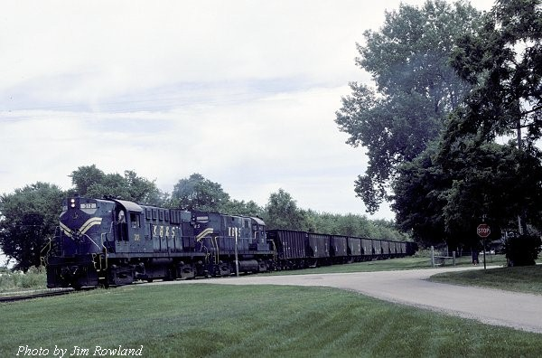 KBSR westbound at Templeton, IN 07-18-00 (Photo by Jim Rowland)